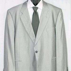 Backrach Suit